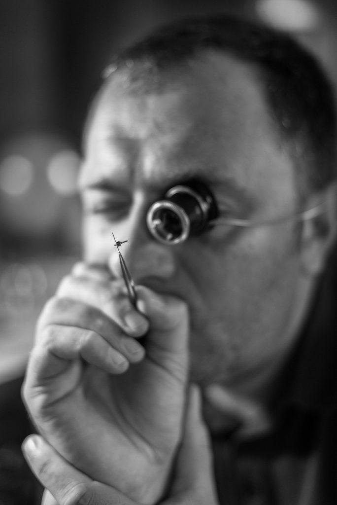 Fotoshooting eines Uhrmachers